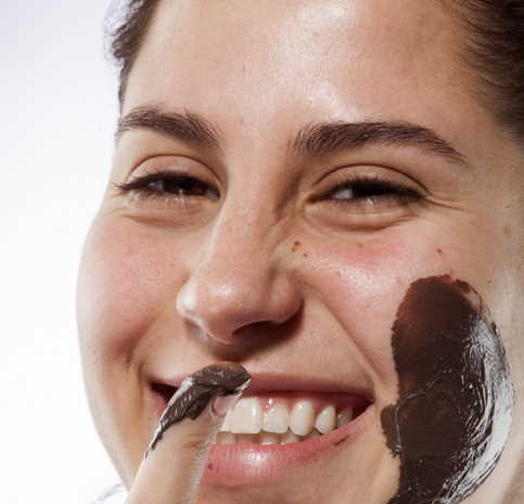 DIY cocoa face masks